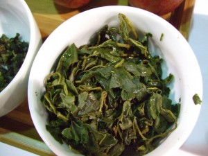 A lightly oxidized Oolong; note how green the leaves are.